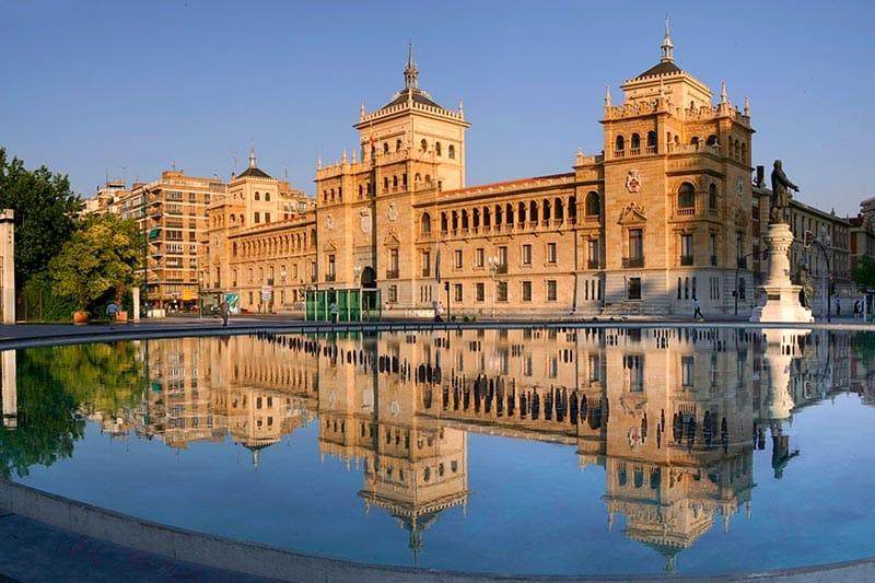 Queen's Gate School: academia idiomas Valladolid (cursos generales)